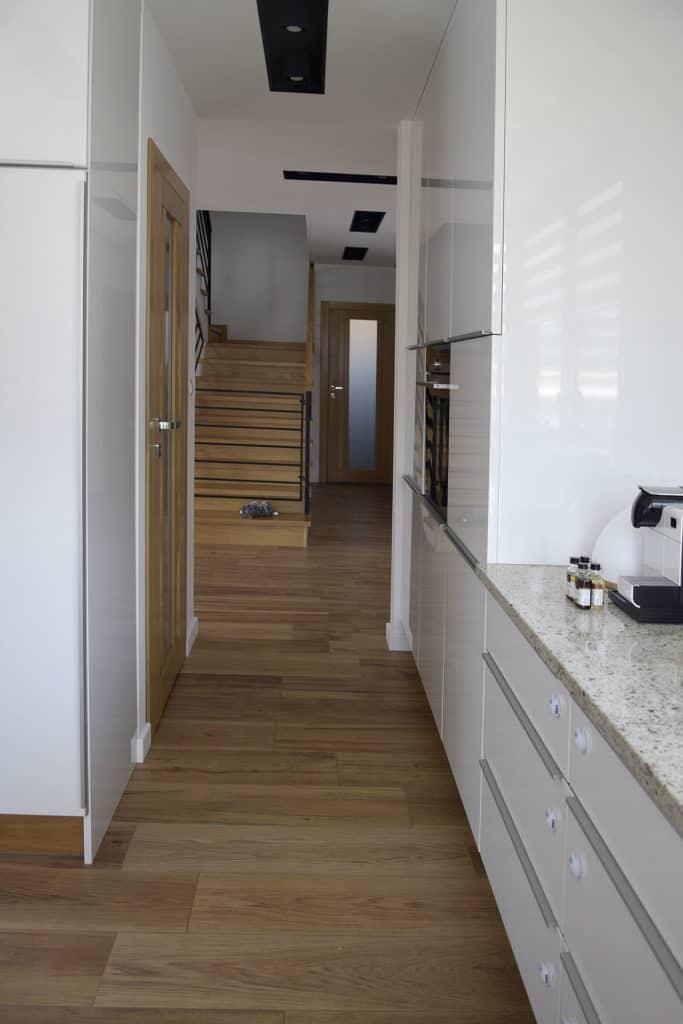 projektanci wnętrz D011 kuchnia mieszkanie raszyn Kuchnia mieszkanie w Raszynie