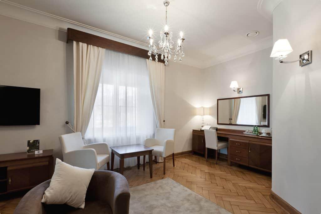 projektanci wnętrz Palac Cielesnica apartament deluxe 1A Apartamenty Deluxe Pałac Celeśnica