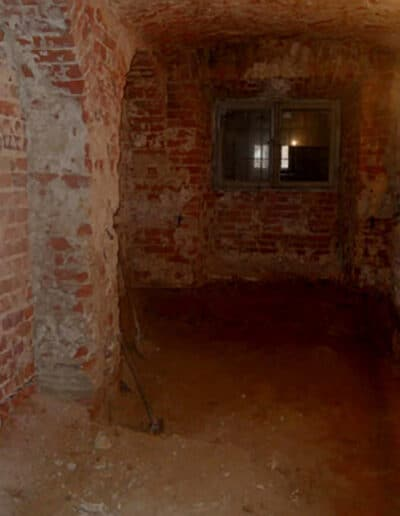 projektanci wnętrz Palac Cielesnica piwnice remont A001 Pomieszczenia piwniczne Pałac Celeśnica