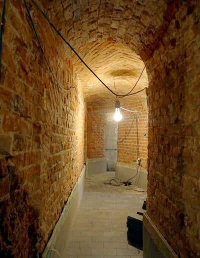 projektanci wnętrz Palac Cielesnica piwnice remont A003 Pomieszczenia piwniczne Pałac Celeśnica